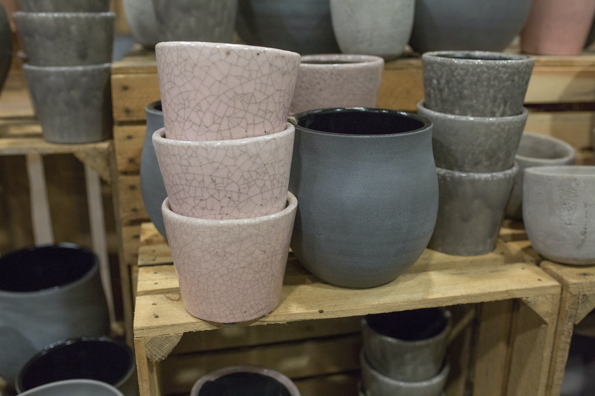 New Covent Garden Flower Market March 2017 Market Report Rona Wheeldon Flowerona Glazed Ceramic Pots Dusky Pink And Different Shades Of Grey At The Flower Store