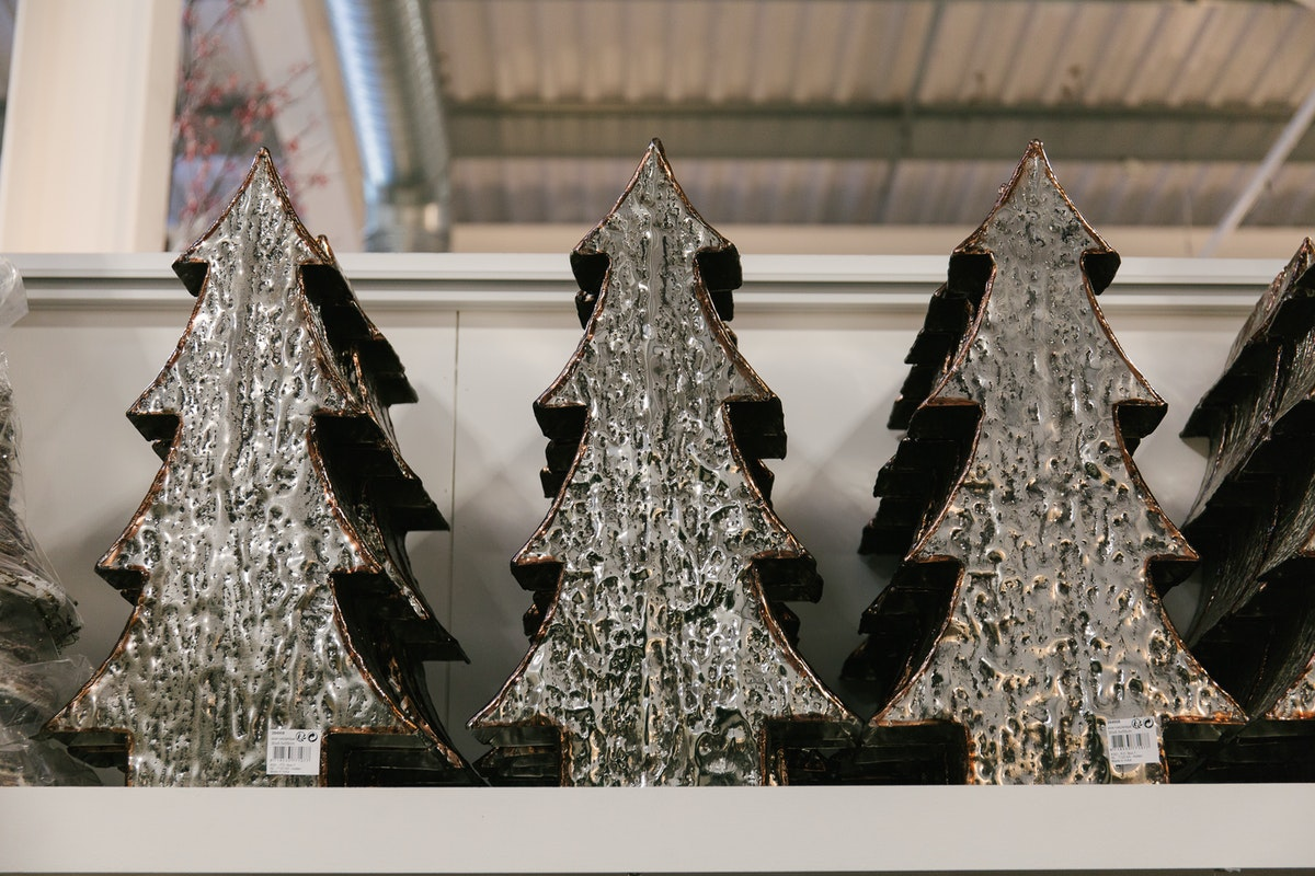 New Covent Garden Flower Market A Florists Guide To Christmas At The Flower Market Rona Wheeldon Flowerona Metal Effect Christmas Trees At C Best November 2017