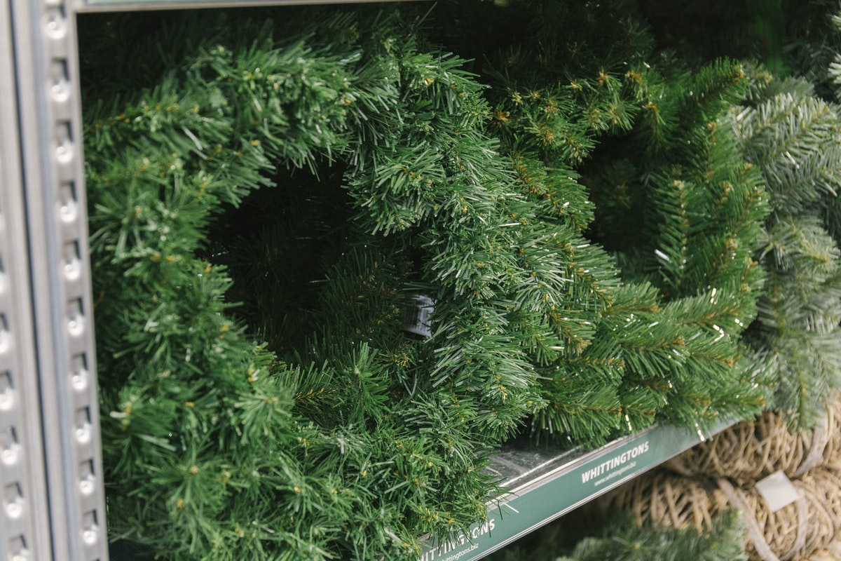 New Covent Garden Flower Market A Florists Guide To Christmas At The Flower Market Rona Wheeldon Flowerona November 2018 Faux Pine Wreaths At Whittingtons