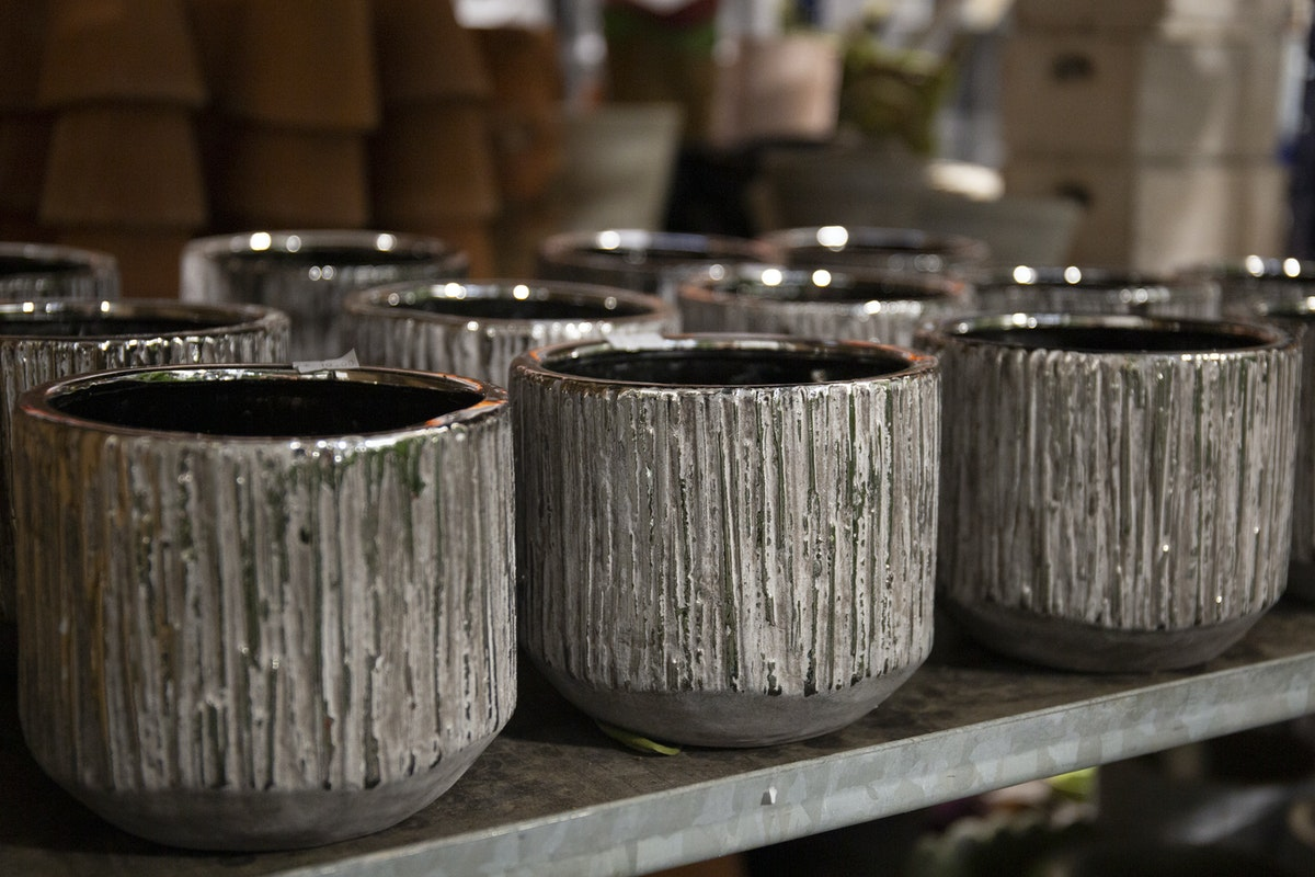 New Covent Garden Flower Market September 2019 A Florists Guide To Plant Pots Rona Wheeldon Flowerona Textured Plant Pots At Quality Plants