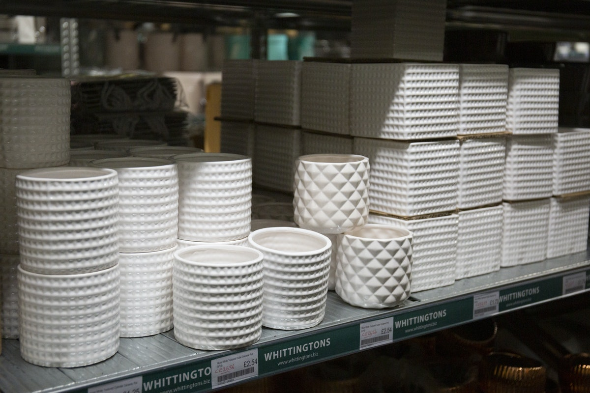 New Covent Garden Flower Market September 2019 A Florists Guide To Plant Pots Rona Wheeldon Flowerona White Textured Cylinder And Cube Ceramic Pots At Whittingtons