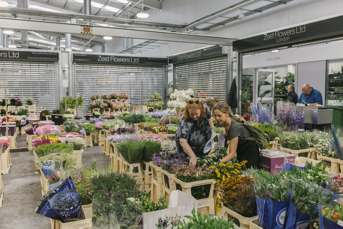 New Covent Garden Flower Market September 2019 In Season Report Rona Wheeldon Flowerona Kathleen Left And Tove Right From Mary Jane Vaughan At Zest Flowers