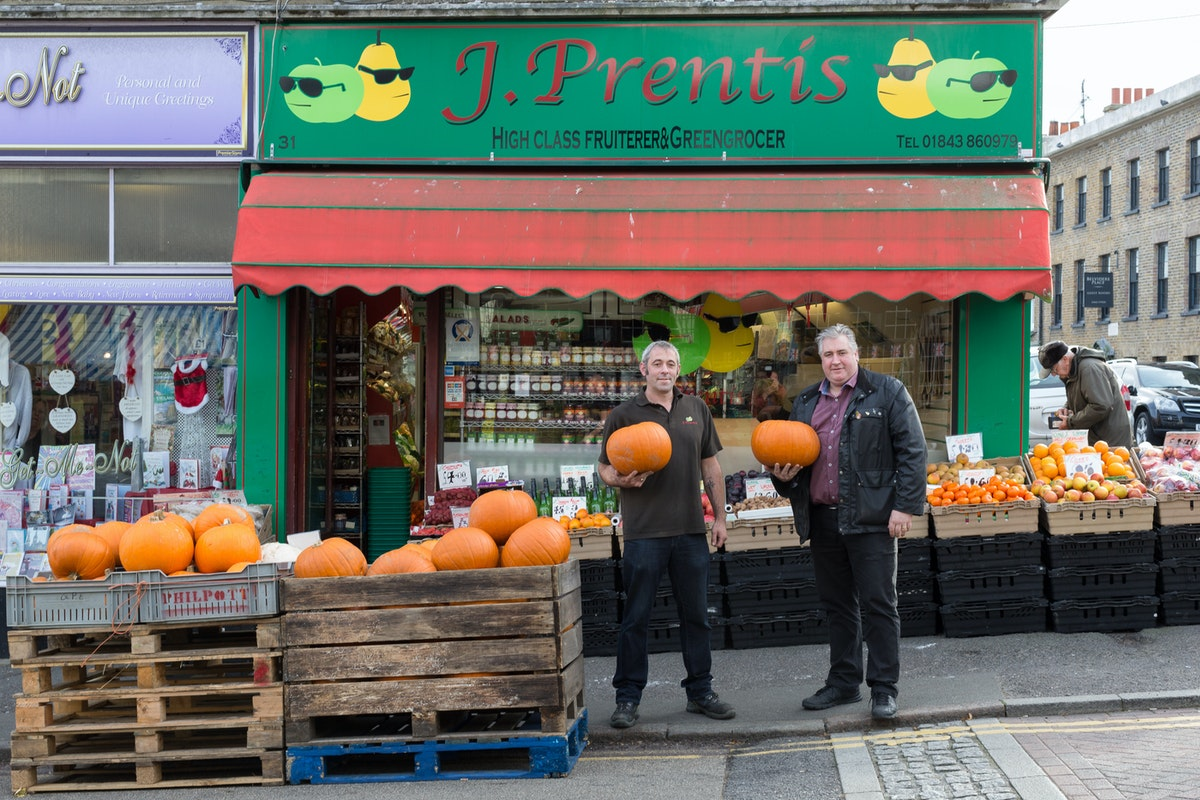 Fruit And Veg Customer Profile November 2017 Prentis Exterior
