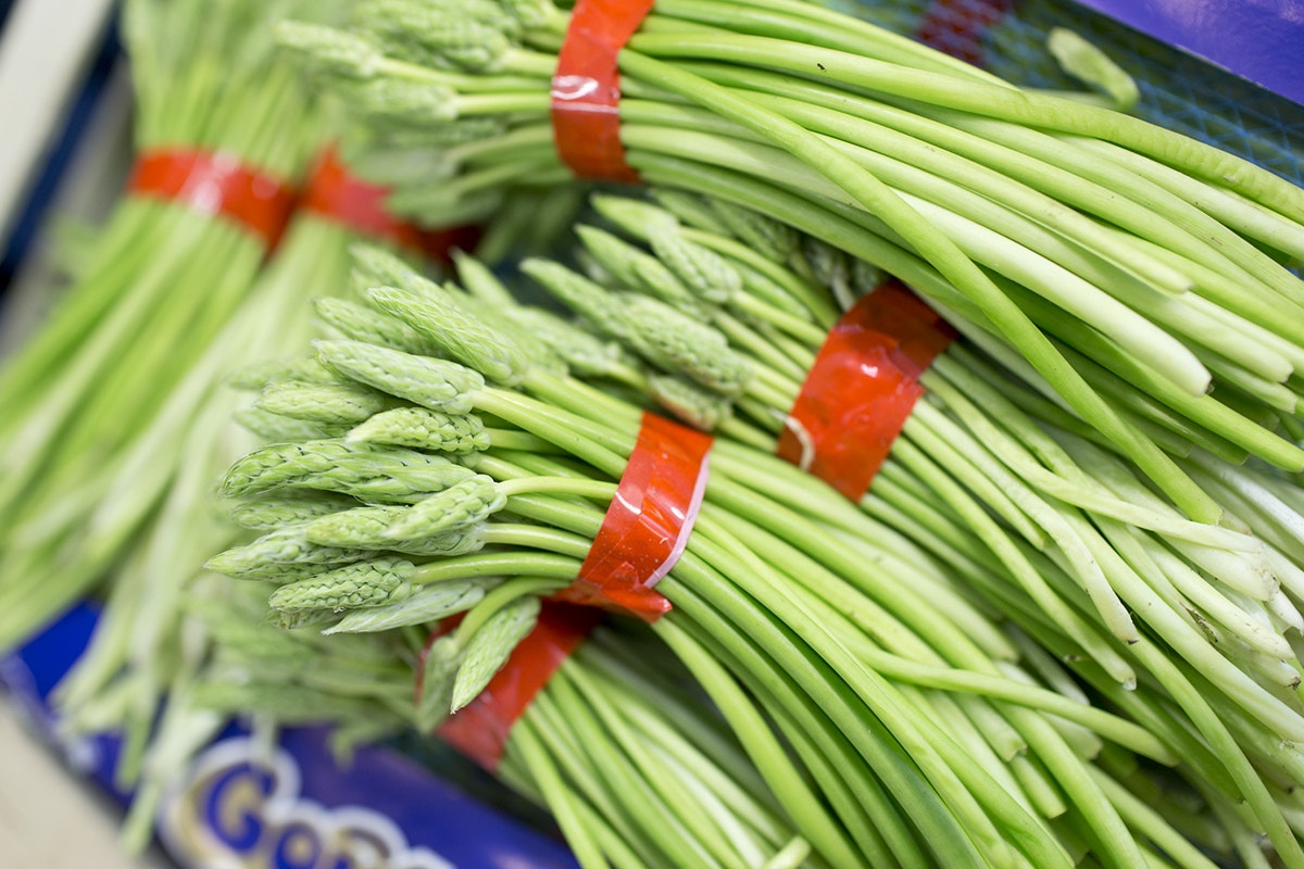 Fruit And Vegetable Market Chefs Guide To Asparagus April 2018 Wild Asparagus
