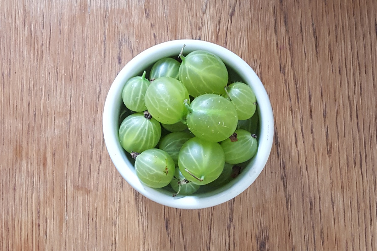 Fruit And Vegetable Market Chefs Guide To Gooseberries Green In Bowl