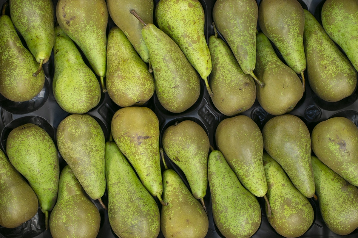 Fruit And Vegetable Market Chefs Guide To Pears Box Market